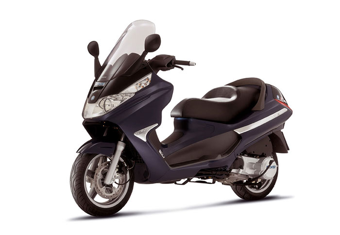 d m corfu moto rental piaggio x8 200. Black Bedroom Furniture Sets. Home Design Ideas